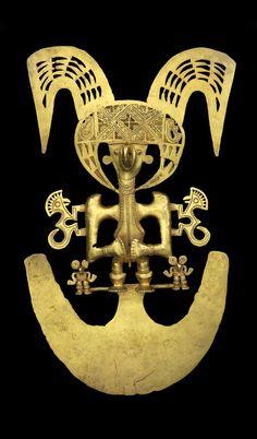 Cauca pendant of a male Shaman in transformation ~ Gold | 900 - 1550 AD ||| {GPA}