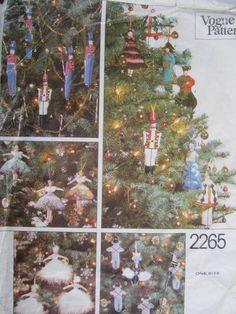 Costume Patterns, Craft Patterns, Cool Patterns, Vintage Patterns, Sewing Patterns, Nutcracker Crafts, Nutcracker Christmas Decorations, Holiday Crafts, Holiday Decor