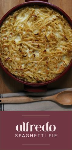 If you love classic fettucine Alfredo, then you'll love this ooey-gooey baked spaghetti alfredo — the ultimate Italian mac and cheese.