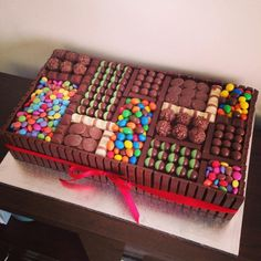 Chocolate Candy Cake, Chocolate Lollies, Torta Candy, Candy Cakes, Cupcakes, Cupcake Cakes, Crazy Birthday Cakes, Lolly Cake, Cake Piping