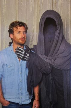 "Dean doesn't look very comfortable next to a ringwraith <- The ringwraith's trying to strangle him I'd be uncomfortable too.←He looks like ""Mom, took the picture already. The Almighty Johnsons, Only Teen, Dean O'gorman, Misty Eyes, Concerning Hobbits, Kili, Aidan Turner, Hot Actors, Lady And Gentlemen"