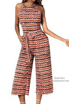 This casual jumpsuits is a versatile piece to have in your fashion arsenal. Sleeveless jumpsuit for women casual spring outfit. Add a blazer with a pumps and create a great business casual outfit. Street Style Summer, Street Style Women, Street Styles, Smart Casual Outfit, Business Casual Outfits, Women's Casual, Jumpsuit Dressy, Cocktail Outfit, Jumpsuits For Women
