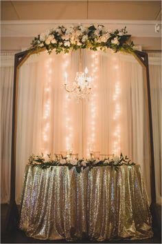 glam gold sweetheart table @weddingchicks