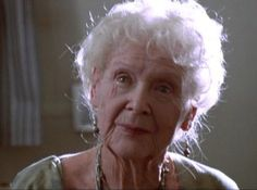 "Gloria Stuart was the only person who worked on the film who was actually living in 1912 when the Titanic sunk. 33 Things You Didn't Know About The Movie ""Titanic"" Film Titanic, Titanic History, Titanic Photos, Titanic Sinking, Movie Facts, Fun Facts, Random Facts, Random Things, Funny Images"