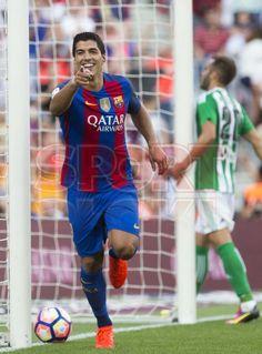 Primera Jornada de Liga: FCB - Betis. (6-2) Goles de Luis Suárez (3), Messi (2) y Arda Turán (1).
