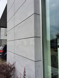 uses and supplies the EQUITONE fibre cement facade for cladding or assembly component. Get more details here Exterior Wall Panels, Exterior Wall Cladding, House Cladding, Exterior Siding, Facade House, Concrete Cladding, Fibre Cement Cladding, Modern Exterior, Exterior Design