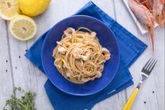 Gli spaghetti rigati al limone e gamberi sono un primo piatto profumato e delicato, con gamberi e scorza di limone saltati in padella!