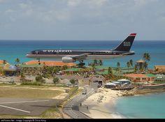 Boeing 757-225, US Airways, N607AU, cn 22203/26, 182 passengers, first flight 25.10.1983 (Eastern Air Lines), US Airways delivered 27.2.1997. Scrapped, broken up 2012. Foto: Sint Maarten, 7/2001.