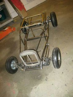 wheelbarrow go-kart rat rods Mini Buggy, Soap Box Cars, Rat Rods, Go Kart Plans, Diy Go Kart, Microcar, Drift Trike, Go Car, Kids Ride On