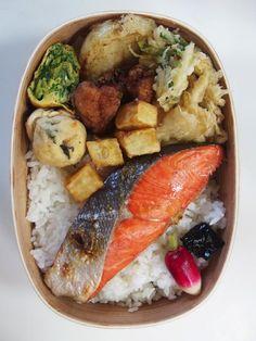 Grilled Salmon + Tenpura #bento 紅鮭弁当 玉ねぎの天ぷら あさつきのかき揚げ