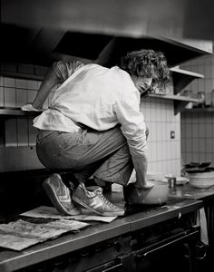 On the anniversary of his groundbreaking cookbook White Heat, Observer Food Monthly looks back on the early career of the groundbreaking chef What The Duck, Chefs, Art Of Fighting, White Heat, Best Chef, White Photography, Cooking Photography, Vintage Photography, Food Art
