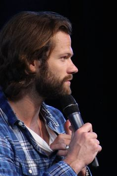 Jared Padalecki (7), Saturday afternoon panel. JIB7, 2016. photography by nell/mostly10 edit? credit! ♥
