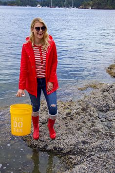 Casual Weekend Outfit, Casual Outfits, Weekend Style, Red Hunter Rain Boots, Fashion Essentials, Style Essentials, Seattle Fashion, Rain Wear, Autumn Fashion
