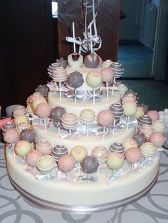 Wedding cakepops by www.TaartaMorgana.nl
