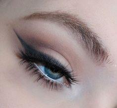 I added lashes because I'm weak af PS I'm testing out a new brow product & OH ITS NOT GOOD SO FAR ------------------------------------------------------------ @katvondbeauty Shade Light eye palette @kissproducts Little Black Dress lashes @goshcopenhagen @lovegoshuk Infinity eyeliner in Earth & Black @nyxcosmetics @nyxcosmetics_uk Jumbo eye pencil in Milk _______________________________________________________________ #wakeupandmakeup #anastasiabeverlyhills #norvina #slave2beauty #vegas_nay…