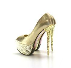 Pantofi cu toc si platforma Indo Aurii - MuJeR.ro http://www.mujer.ro/pantofi-cu-toc-si-platforma-indo-aurii