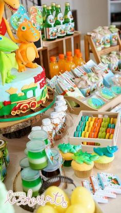 dinosaur train party dessert table