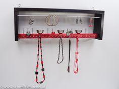 Schmuckaufbewahrung_Schmuckmöbel_jewelryholder_Viadukt_schwarzrot Jewelry Holder, Red Black