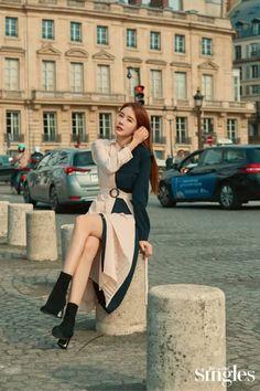Yoo In Na in Singles November 2019 Yoo In Na Fashion, Korean Girl Fashion, Korean Street Fashion, Asian Fashion, Fashion Poses, Pop Fashion, Fashion Outfits, Fandom Outfits, Korean Actresses