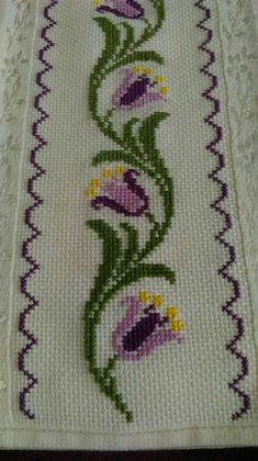 The most beautiful cross-stitch pattern - Knitting, Crochet Love Cross Stitch Bookmarks, Cross Stitch Borders, Cross Stitch Rose, Cross Stitch Flowers, Cross Stitch Designs, Cross Stitching, Cross Stitch Patterns, Hand Embroidery Stitches, Cross Stitch Embroidery