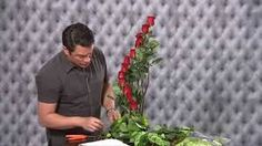 Simple 'How to Arrange Flowers' video. In less than 10 minutes you can create a stunning flower arrangement using greenery from your garden, a block of flora. Contemporary Flower Arrangements, Floral Arrangements, Art Floral, Diy Flowers, Paper Flowers, Arreglos Ikebana, Modern Floral Design, Church Flowers, Leaf Art