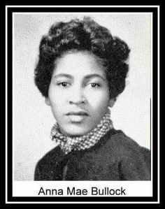 Anna Mae Bullock: Yearbook Photo of Tina Turner From Sumner High School, 1958 Tina Turner Proud Mary, Ike And Tina Turner, Music Icon, Soul Music, Famous Women, Famous People, Famous Celebrities, Celebs, Celebrity Yearbook Photos