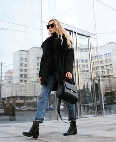 "Be Daze Live on Instagram: ""Cozy-chic ✨✨ . . . 📸 @natali_nata_ . . . #fashion #style #stylish #fashion2019 #stylescout #chic #fashionblog #fashionista #fashionpost…"""