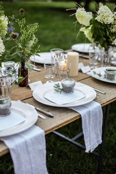 Simple yet elegant table setting.