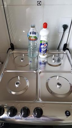 Exceptional remove stains hacks are available on our website. Have a look and you will not be sorry you did. House Cleaning Tips, Diy Cleaning Products, Cleaning Hacks, Garage House Plans, Home Hacks, Kitchen Organization, Interior Design Living Room, Clean House, Kitchen Decor
