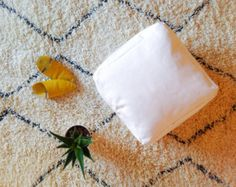 PROMO 2 SQUARE POUF White Leather Moroccan by ZineInteriors