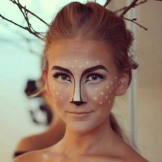Reh schminken Reindeer Face Paint, Reindeer Makeup, Diy Reindeer Costume, Dear Halloween Costume, Halloween Costume Ideas For Couples, Female Halloween Costumes, Dear Costume, Couple Costumes, Halloween Customs