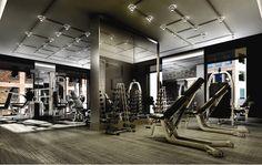 A full gym and yoga studio with change rooms at the Quadrangle Architect designed Studio Toronto tower. Gym Interior, Interior Photo, Club Design, Gym Design, Piscina Spa, Luxury Gym, Gym Lockers, Gym Room, Condo