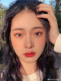 Makeup Korean Style, Korean Natural Makeup, Natural Prom Makeup, Korean Eye Makeup, Asian Makeup, Natural Makeup Looks, Edgy Makeup, Unique Makeup, Simple Makeup