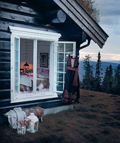 | ♕ | folklore lodge | via theessenceofthegoodlife