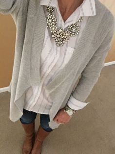 Statement Necklace makes this outfit complete – like the grey, white and denim; … Statement Necklace makes this outfit complete – like the grey, white and denim; casual with a bit of bling! Fashion Mode, Fashion Over 50, Work Fashion, Fashion Outfits, Womens Fashion, Fashion Caps, Mature Fashion, Mode Ab 50, Fall Outfits