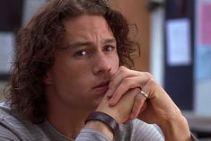 Heath Ledger 10 things i hate about you Beautiful Boys, Pretty Boys, Gorgeous Guys, Junger Johnny Depp, 90s Girl, I Love You Baby, Comme Des Garcons, Film Serie, Having A Crush
