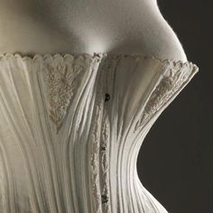 1870-1875  Corset made of cotton, silk and whalebone  Fashion Museum Bath