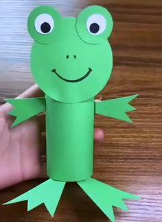 Toilet Paper Crafts, Paper Roll Crafts, Paper Crafts For Kids, Easy Crafts For Kids, Craft Activities For Kids, Toddler Crafts, Preschool Crafts, Diy For Kids, Fun Crafts