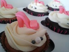 Diva pumps cupcakes Diva, Cupcakes, Sweets, Pumps, Desserts, Food, Sweet Pastries, Meal, Gummi Candy