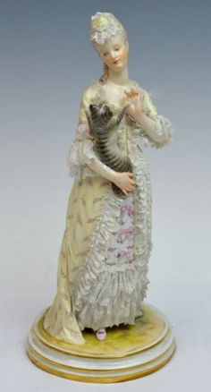 Meissen Lady With Cat : Lot 23