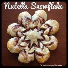 (link provided in description) Those that have liked this page for awhile will know I love creating things with dough (Elaine I'm looking at you! I saw a friend share this on fb recently an Xmas Food, Christmas Baking, Yummy Eats, Yummy Food, Thermomix Bread, Tasty Pancakes, Biscuits, Recipe From Scratch, Sugar And Spice
