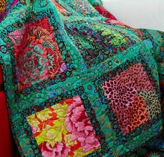 21 Amazing Kaffe Fassett Quilts Snowball Patterns Ideas - Discover More Sweet Kaffe fassett quilts snowball ideas Batik Quilts Pattern Free Kaffe Fassett - Quilt Baby, Colchas Quilt, Batik Quilts, Quilt Blocks, Quilt Top, Bright Quilts, Colorful Quilts, Quilt Patterns Free, Fabric Patterns