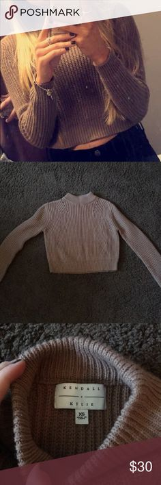 Kendall and Kylie crop sweater!! Worn once!! Good condition! Super cute and comfy! Kendall & Kylie Sweaters