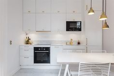 Veddinge Ikea Kitchen - Yahoo Image Search Results - Ikea DIY - The best IKEA hacks all in one place Kitchen Marble Top, White Ikea Kitchen, White Kitchen Cabinets, Open Plan Kitchen Living Room, New Kitchen, Kitchen Dining, Kitchen Interior, Interior Design Living Room, Hacks Ikea