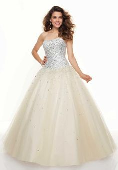 Shop for Mori Lee prom dresses and bridesmaids gowns at Simply Dresses. Long evening gowns and ball gowns for prom and pageants by Mori Lee. Homecoming Dresses 2014, Mori Lee Prom Dresses, Elegant Prom Dresses, Chiffon Evening Dresses, Beautiful Prom Dresses, Formal Dress, 2015 Dresses, Prom 2014, Pretty Dresses