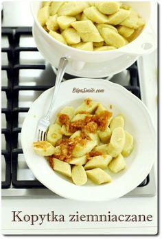KOPYTKA ZIEMNIACZANE Polish Recipes, Polish Food, Gnocchi, Tofu, Macaroni And Cheese, Dairy, Cooking Recipes, Ethnic Recipes, Pierogi