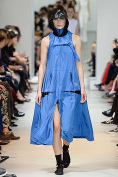 Paco Rabanne Spring 2017 Ready-to-Wear Fashion Show - Sandra Schmidt