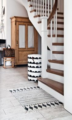Home butiksofie – Westwing magazine living room butiksofie Westwing Hau. - Home butiksofie – Westwing magazine living room butiksofie Westwing home visit # - Style At Home, Escalier Design, Interior And Exterior, Interior Design, Exterior Stairs, Apartment Goals, House Goals, Humble Abode, My New Room