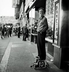 Between 1945 and 1950, Stanley Kubrick worked as a staff photographer for LOOK magazine. Only 17 years old when he joined the magazine, he was by far its youngest photographer. Kubrick often turned his camera on New York City. (All rights reserved. Images @ The Estate of Stanley Kubrick.) Connect to the ASX world! Like …