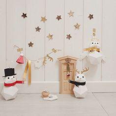 #Collaborazione con #Abbonamenti.it promozione #Abbonatale  #ContentCreation #VisualContentCreation #InstagramPost #photoshooting   #Vintage #stilllife #christmasDIY #ChristmasgiftIdea Christmas Wallpaper, Instagram Posts, Diy Decoration